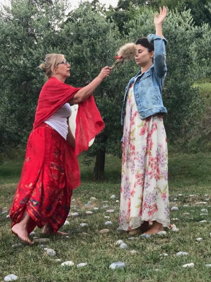 carlita moon mother danza fiore rosso